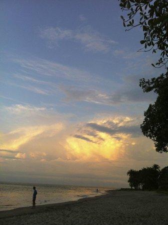 Iles de Los: Couché de soleil à couper le souffle, plage de Sorro