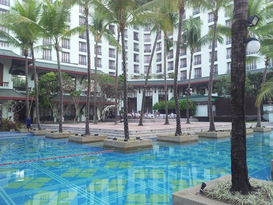 Chatrium Hotel Royal Lake Yangon:                   Pool and hotel