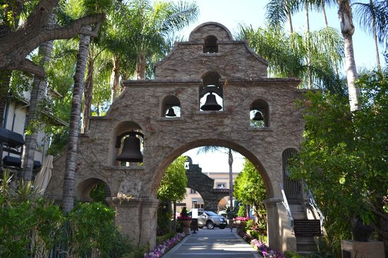 The Mission Inn Hotel and Spa:                                     Entry to hotel