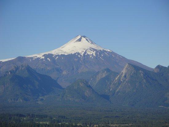 Mirador Los Volcanes:                                     Excelente vista al Volcán