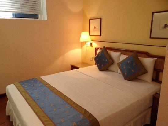 Perak Hotel:                   Bed