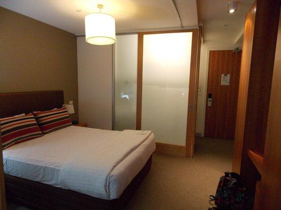 Adina Apartment Hotel St Kilda:                                     Room