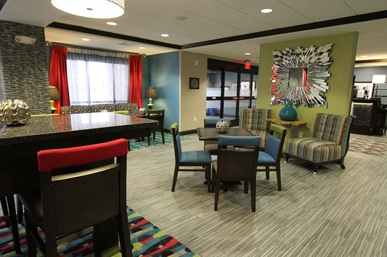 Hampton Inn Iowa City/University Area: Hotel Lobby