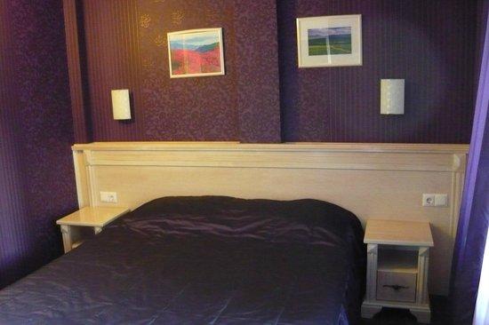 Hotel Aris: Pokój/apartament