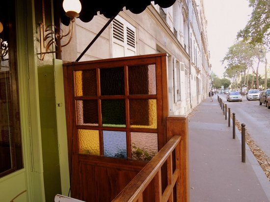 Hotel Muguet:                   A beautiful neighborhood