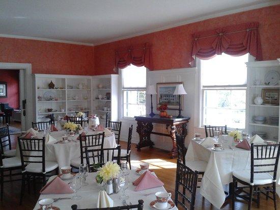 Rosemont Manor:                   Breakfast dining room