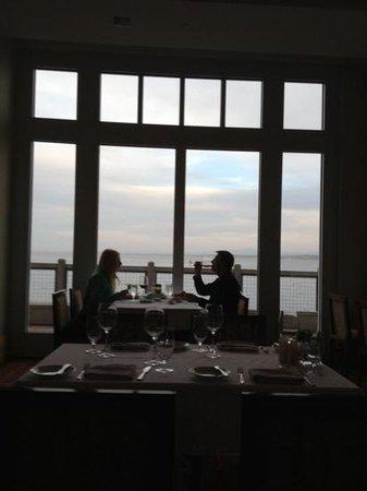 C restaurant + bar:                   fine dining in Monterey
