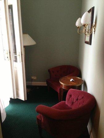 Hotel Liberty:                   petit salon donnant sur terrasse