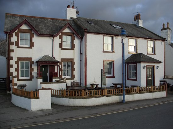 Rosegarth Guest House: Rosegarth viewed from the Estuary