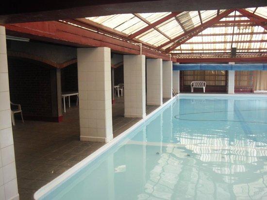 Hotel del Campo:                   la piscina muy limpia