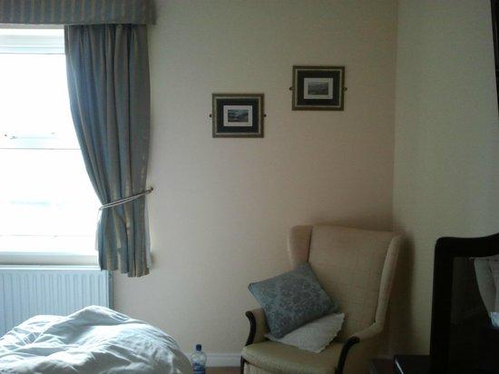 Dun Ri Guesthouse:                   un coin de la chambre