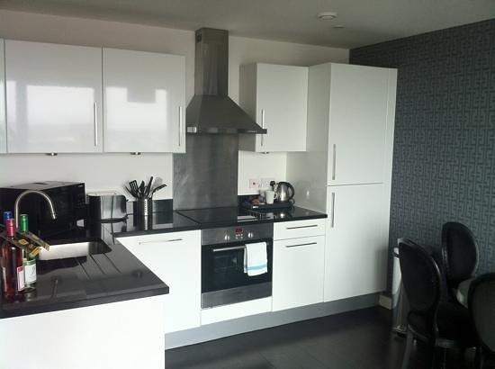 The Light ApartHotel:                   kitchen