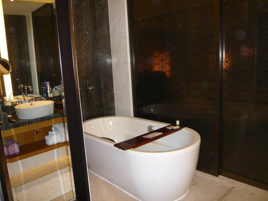 Park Hyatt Abu Dhabi Hotel & Villas:                   Bad