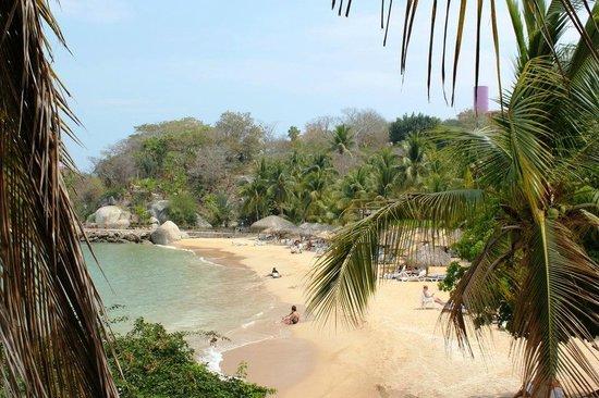 Las Brisas Huatulco:                   Playa Manzanilla