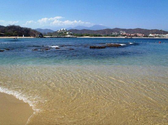 لاس بريساس هواتولكو:                   Beautiful waters                 