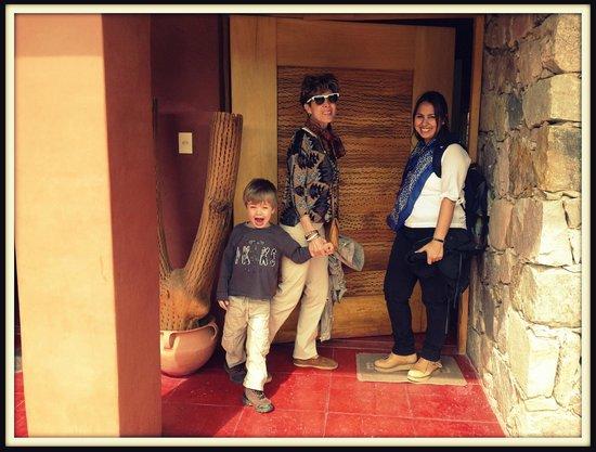 Huaira Huasi : En la puerta de la casa