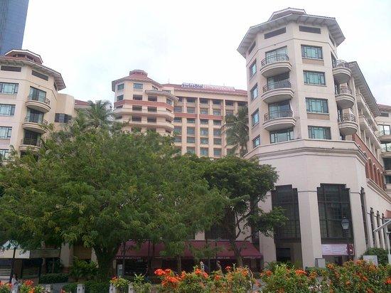 Swissotel Merchant Court Singapore:                   nice hotel