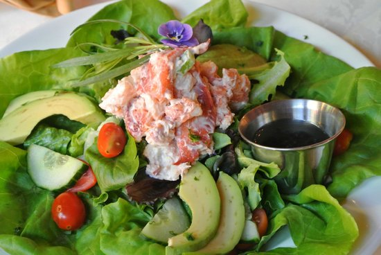 Inn Kitchen + Bar : Lobster Salad