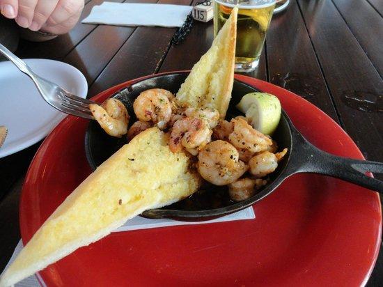 Bubba Gump Shrimp Co.:                   lecker Shrimps mit Knoblauch