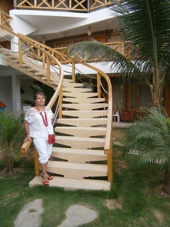 Las Palmeras de Punta Sal:                   Escalera del hotel
