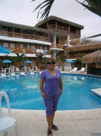 Las Palmeras de Punta Sal:                   Piscina del hotel