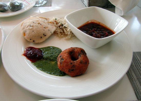 Trident, Bandra Kurla, Mumbai: Breakfast Indian style, although variety abounds at all stations.