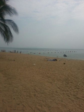 Pattaya Park Beach Resort:                   beautiful beach