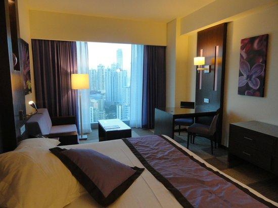 Hotel Riu Plaza Panama:                                     Habitación