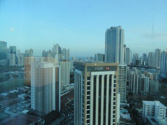 Hotel Riu Plaza Panama:                                     Vista desde piso 24