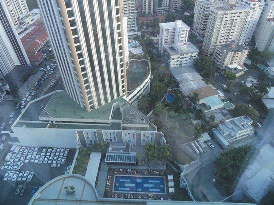 Hotel Riu Plaza Panama:                                     Vista desde el piso 24