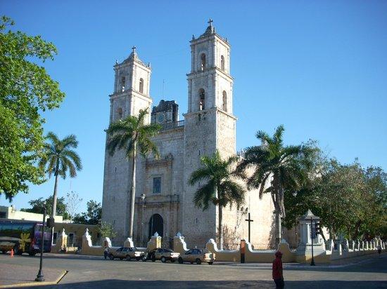 Hotel Riu Lupita:                                     Colonial town