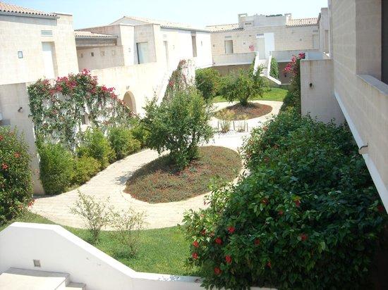 Vivosa Apulia Resort: corte