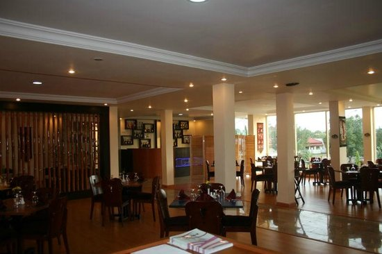 Serendib Restaurant & Bar: A view from the inside of the restaurant