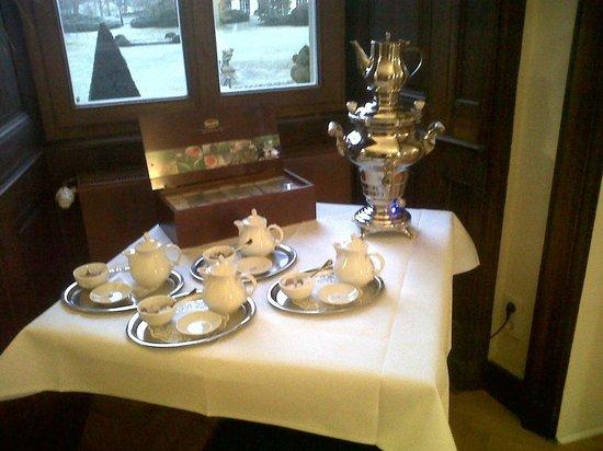 Schlosshotel Bad Neustadt: Desayuno sector de té