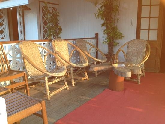 Pine Hill Resort, Kalaw:                   sitting out area