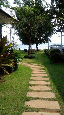 Makathanee Resort: Территория отеля