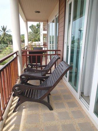 Ananda Lanta Resort: Balcon