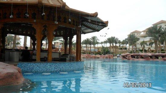 Tropicana Azure Club: Central pool