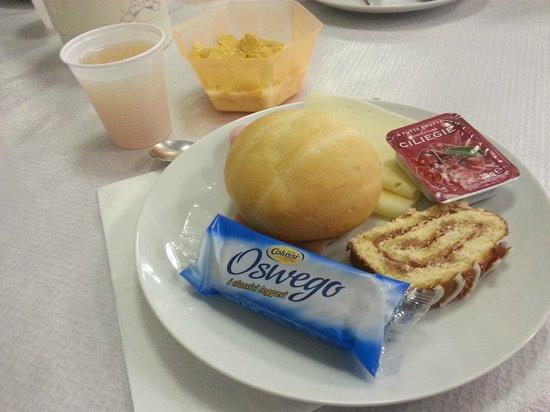 Hotel Serenella:                   Breakfast