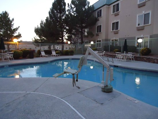 SpringHill Suites Las Cruces: Pool area
