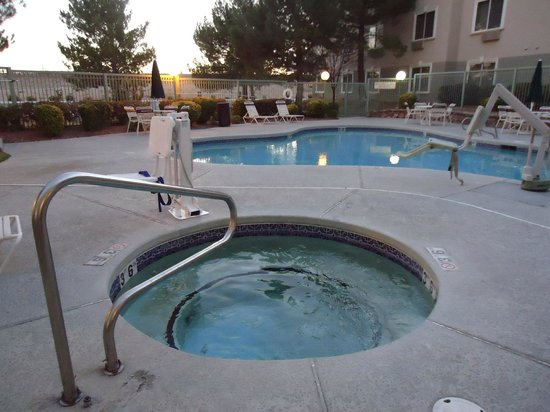 SpringHill Suites Las Cruces: Hot tub/pool