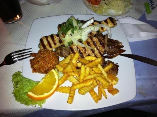 Hellas:                   Min mad !