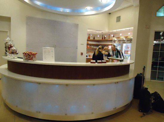 SpringHill Suites Las Cruces : Front desk/lobby