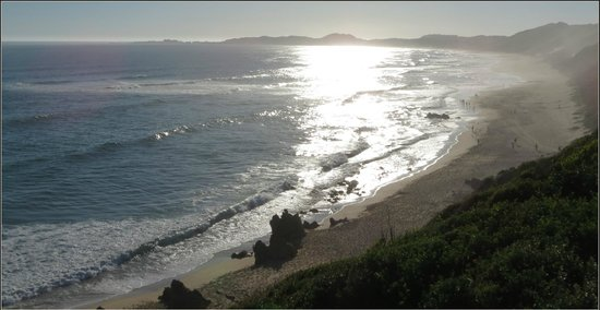 Knysna Tonquani Lodge & Spa: Beach at nearby Brenton-on-Sea