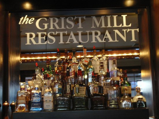 The Grist Mill and One Up Bar: Center Bar