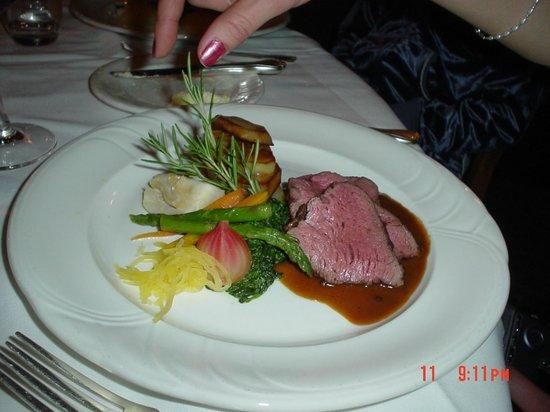 Le Beaujolais: Albertan Beef