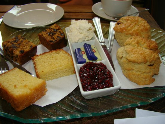Bizzi Beans Cafe:                   Our cake and scones.