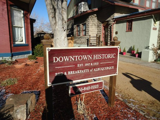 Downtown Historic Bed & Breakfasts of Albuquerque: Outside