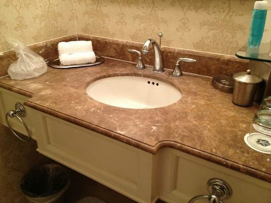 Omni La Mansion del Rio: Sink portion of bathroom