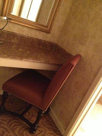 Omni La Mansion del Rio: Dressing room vanity